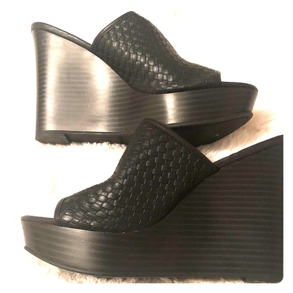 Nine West black slip on wedge shoe